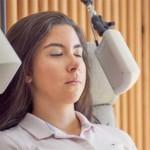 Patientin bei Bioresonanztherapie