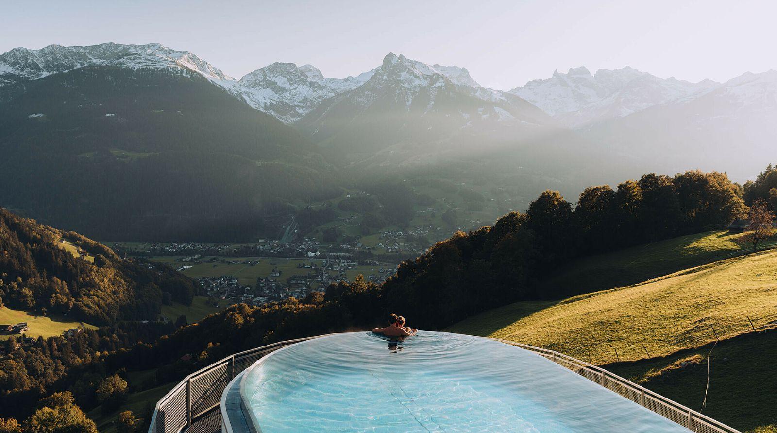 outdoor-pool montafon schruns